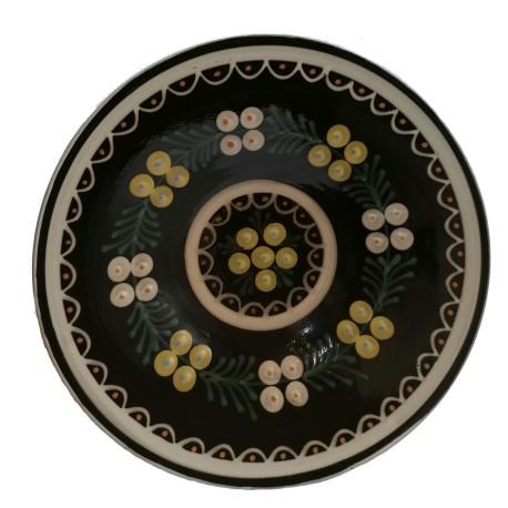 Tmavý tanier s motívom ihličia, Pozdišovská keramika